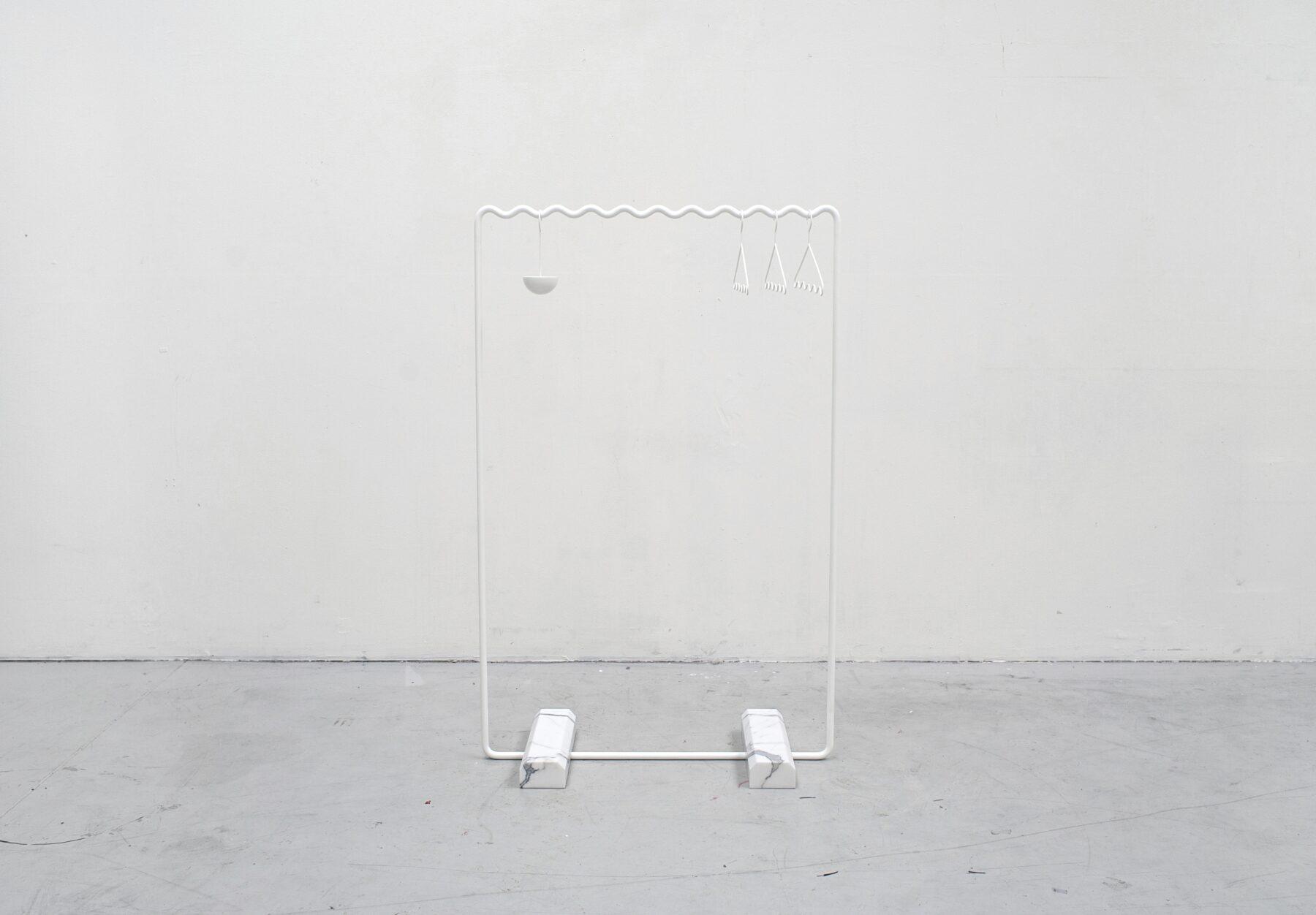 07_White_hanger