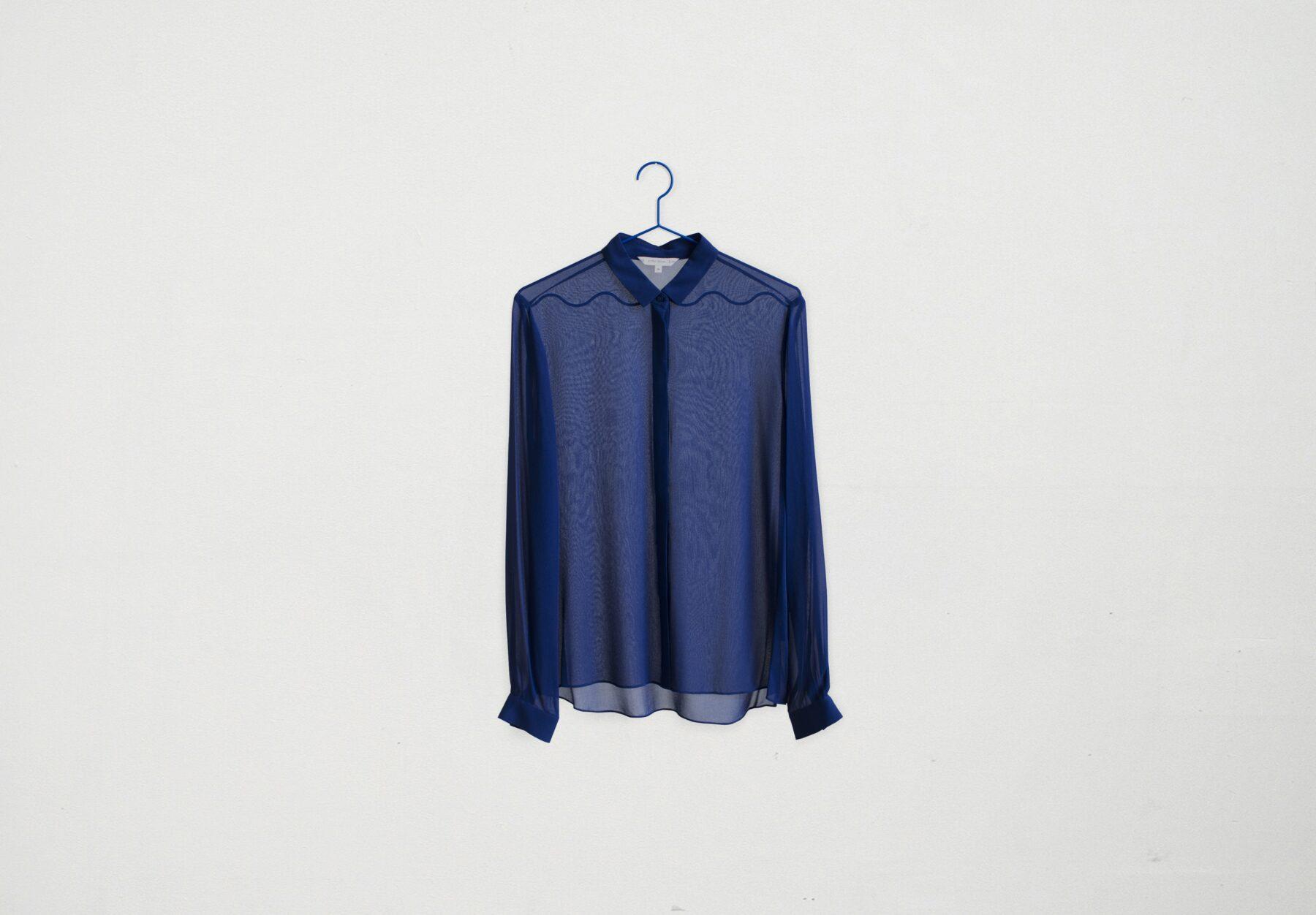 11_Blue_hanger
